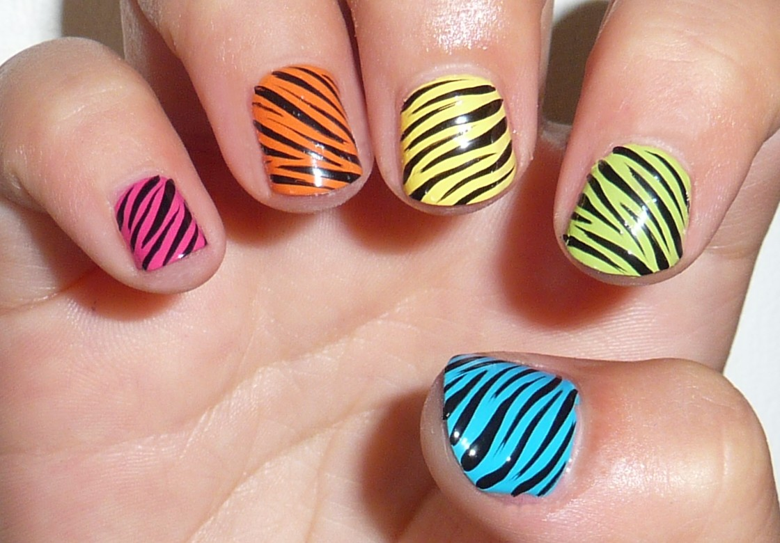 Curly Stripes over a Colorful Base