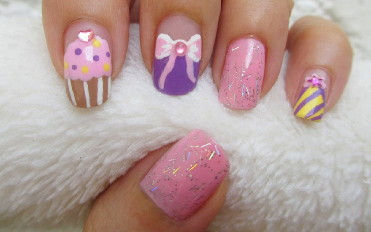 Decorate your Nails with Birthday Cakes and Colored Dots