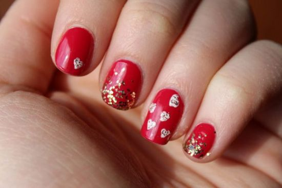 Display Bold Emotions using Glittery Red