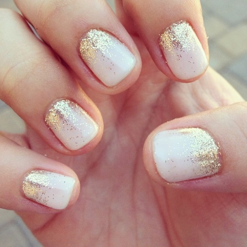 Golden Glitter on White Shade Nails