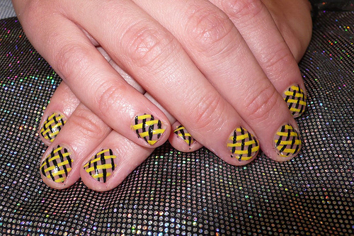 Overlapping Mesh of Yellow and Black