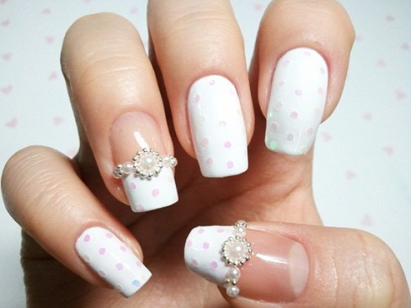 Pearl Rings on your Nails